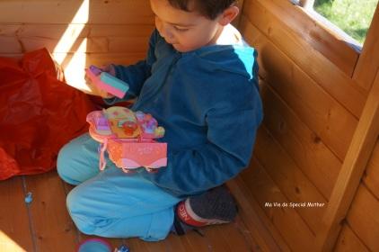 A genoux dans la cabane